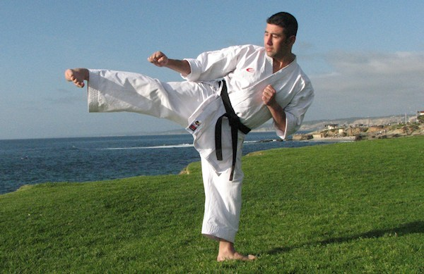 Yoko Geri o Patada Lateral en Karate