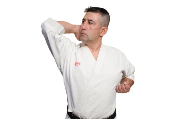 Jodan Empi Uchi - Codazo Ascendente en Karate