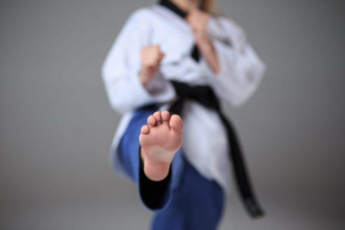 Patada Frontal en Taekwondo Paso a Paso