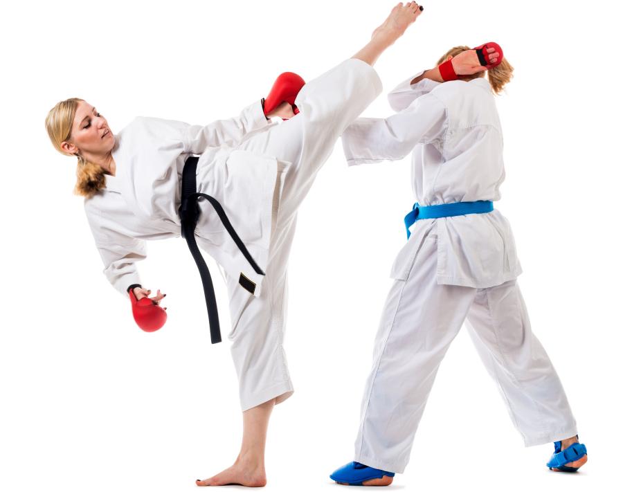 Entrenando la patada de Gancho en Karate